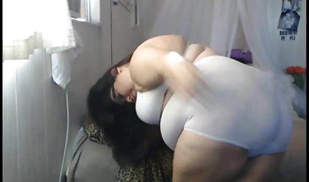 Kurus rambut seks hot bokep pirang lesbian duduk di wajah putri tirinya