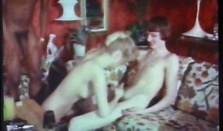 Telanjang gadis pasangan muda pesta sex bokep Bercinta di Cam